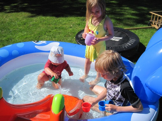 11 am - In the paddling pool