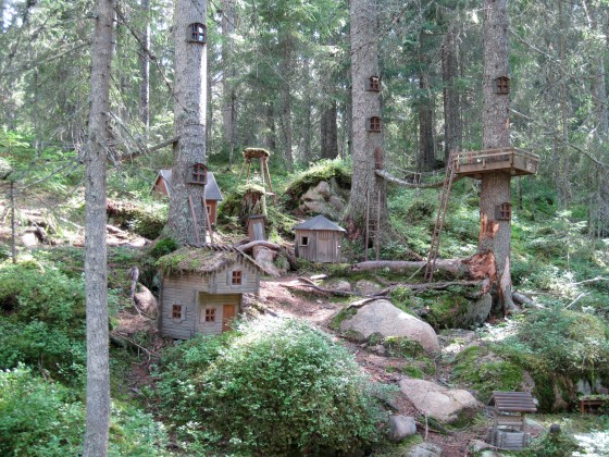 The little trolls houses...